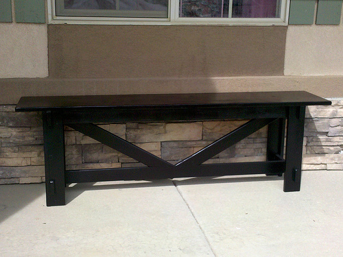 easy to build bench with cross bracing
