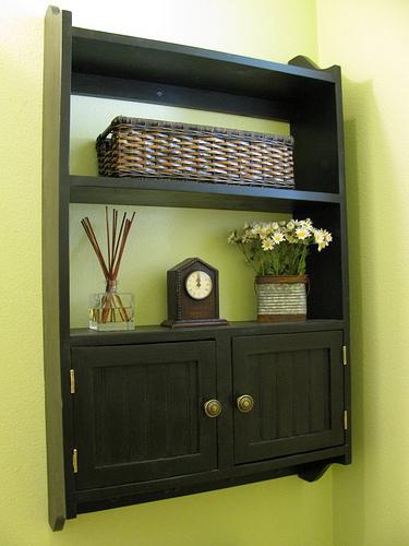 Easy Wall Bookshelf