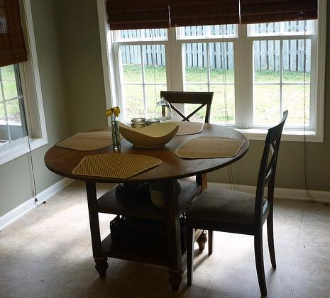 Take Greater Advantage Of Your Small E Needs By Building A Round Storage Dining Table This Simple Plan Uses Standard Tabletop Bun