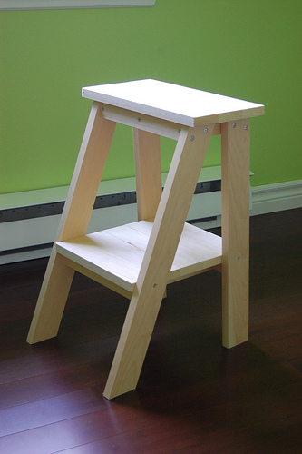 A Simple Table Reminicent Of A Small Painteru0027s Ladder Can Work As A Bedside  Table Or A Side Table. This Is A Great Project To Use Up Your Scraps.