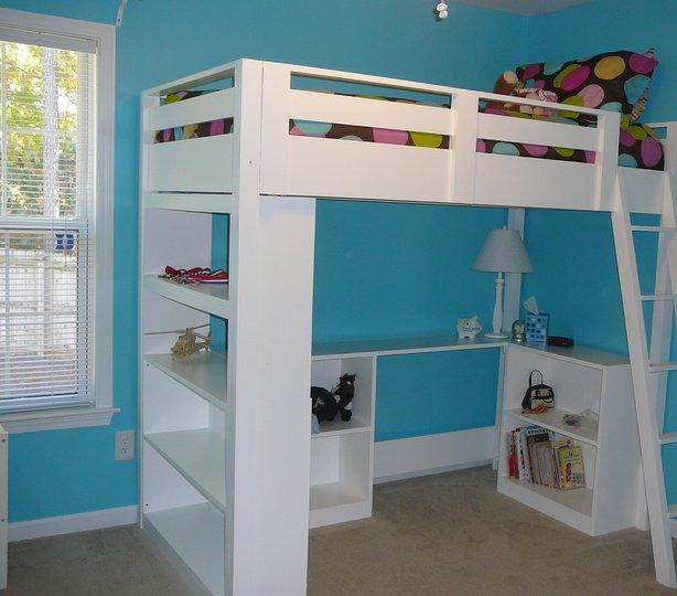 ana white what goes under the loft bed how about a big bookcase diy projects. Black Bedroom Furniture Sets. Home Design Ideas