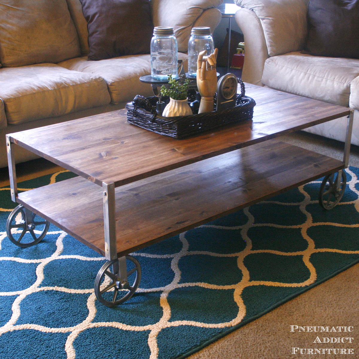 Build Industrial Coffee Table: Easy Industrial Coffee Table - DIY Projects