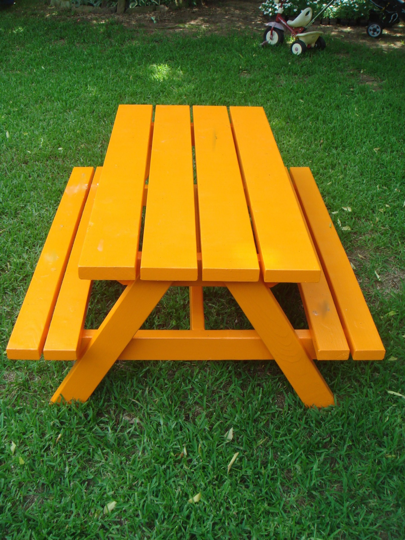 30 Built It Yourself Log Cabin Plans I Absolutely Like: Picnic Tables - DIY Projects