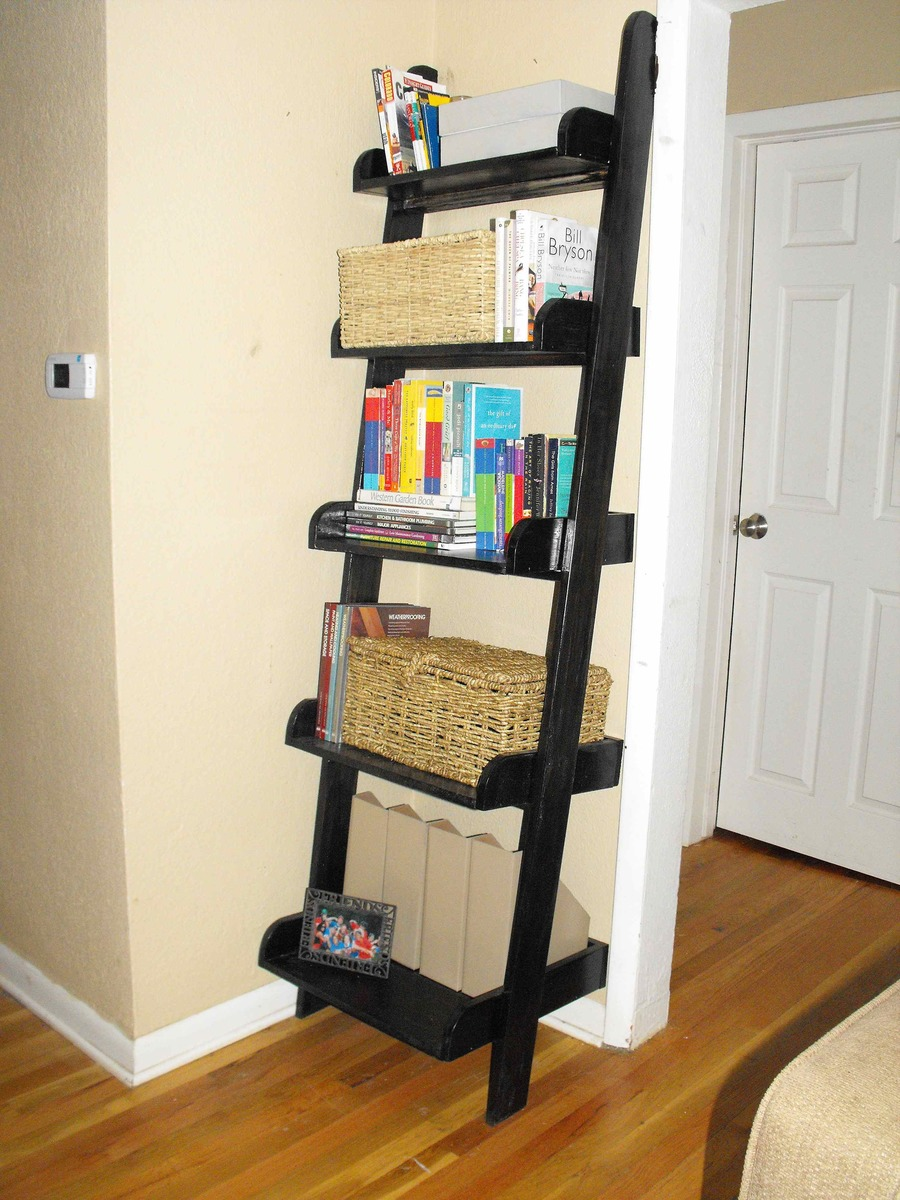 Do It Yourself Home Design: Leaning Bookshelf - Narrow - DIY Projects