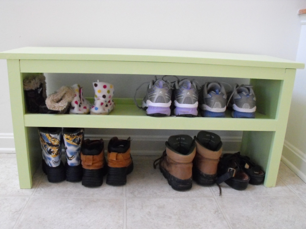 super easy bench modified for shoe storage | ana white