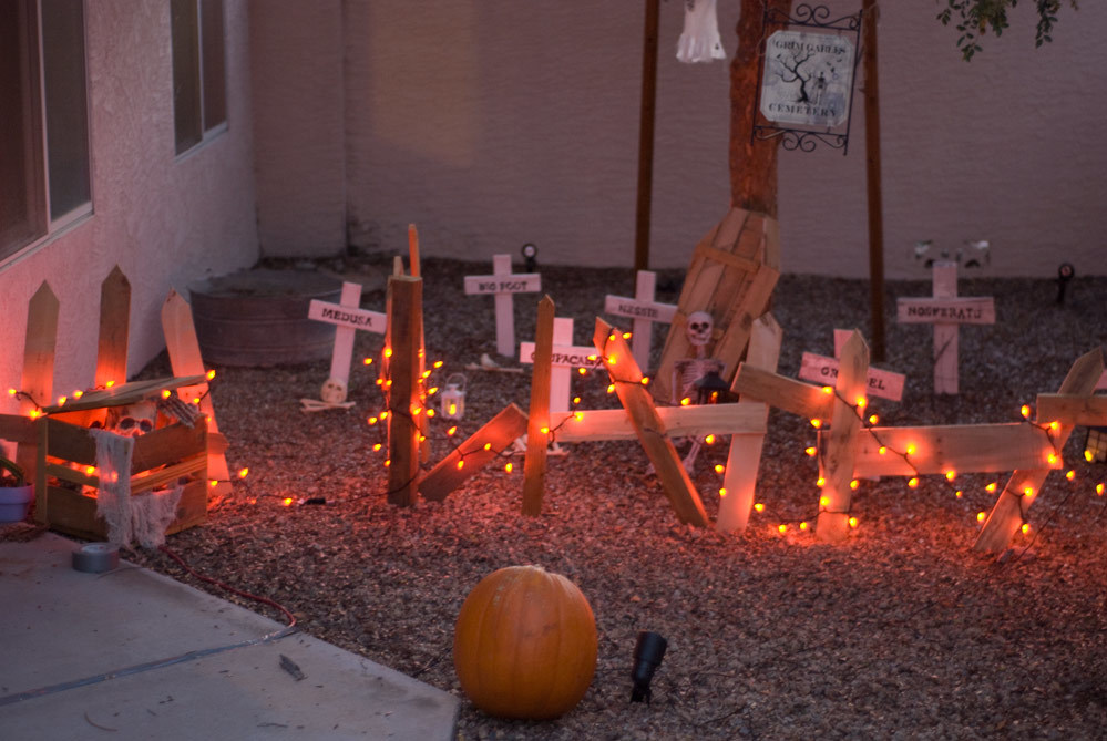 Ana white pallet crates as halloween decor diy projects for Decorating ideas using pallets