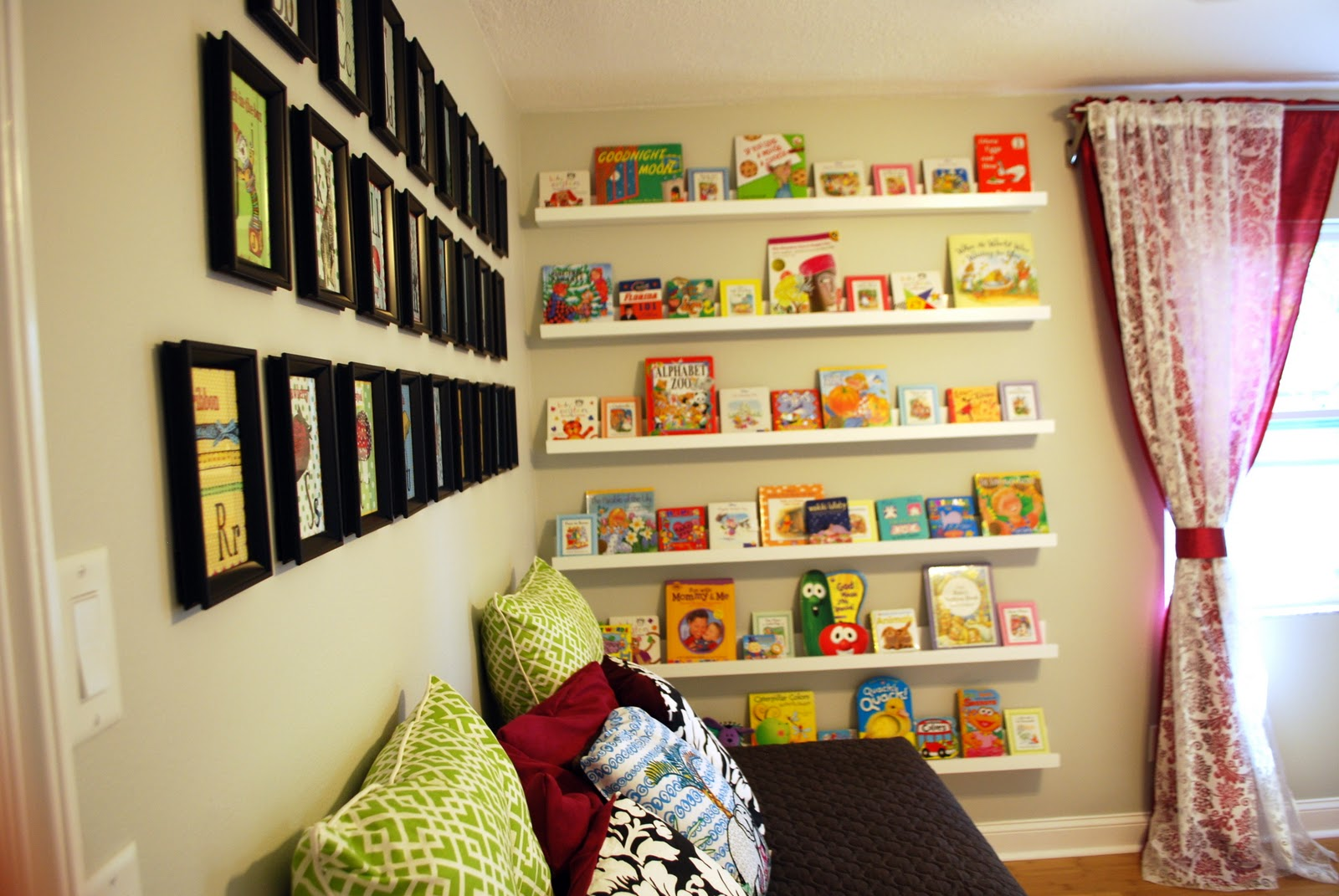Ana White | Nursery Room Book Shelves from $10 Ledge Plan - DIY Projects