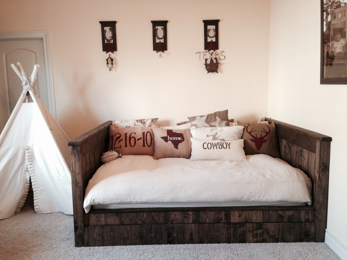 Ana white for Queen daybed frame diy