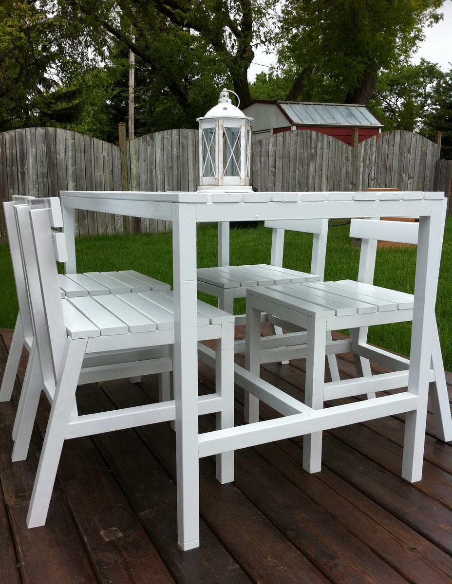 Ana White Harriet Outdoor Table Chairs DIY Projects