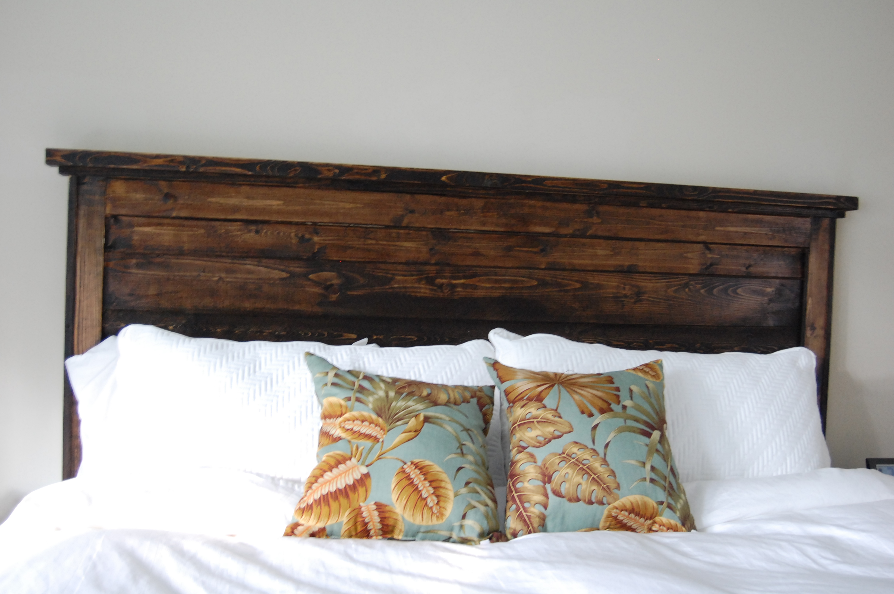 Ana white king reclaimed look headboard diy projects for Do it yourself headboard