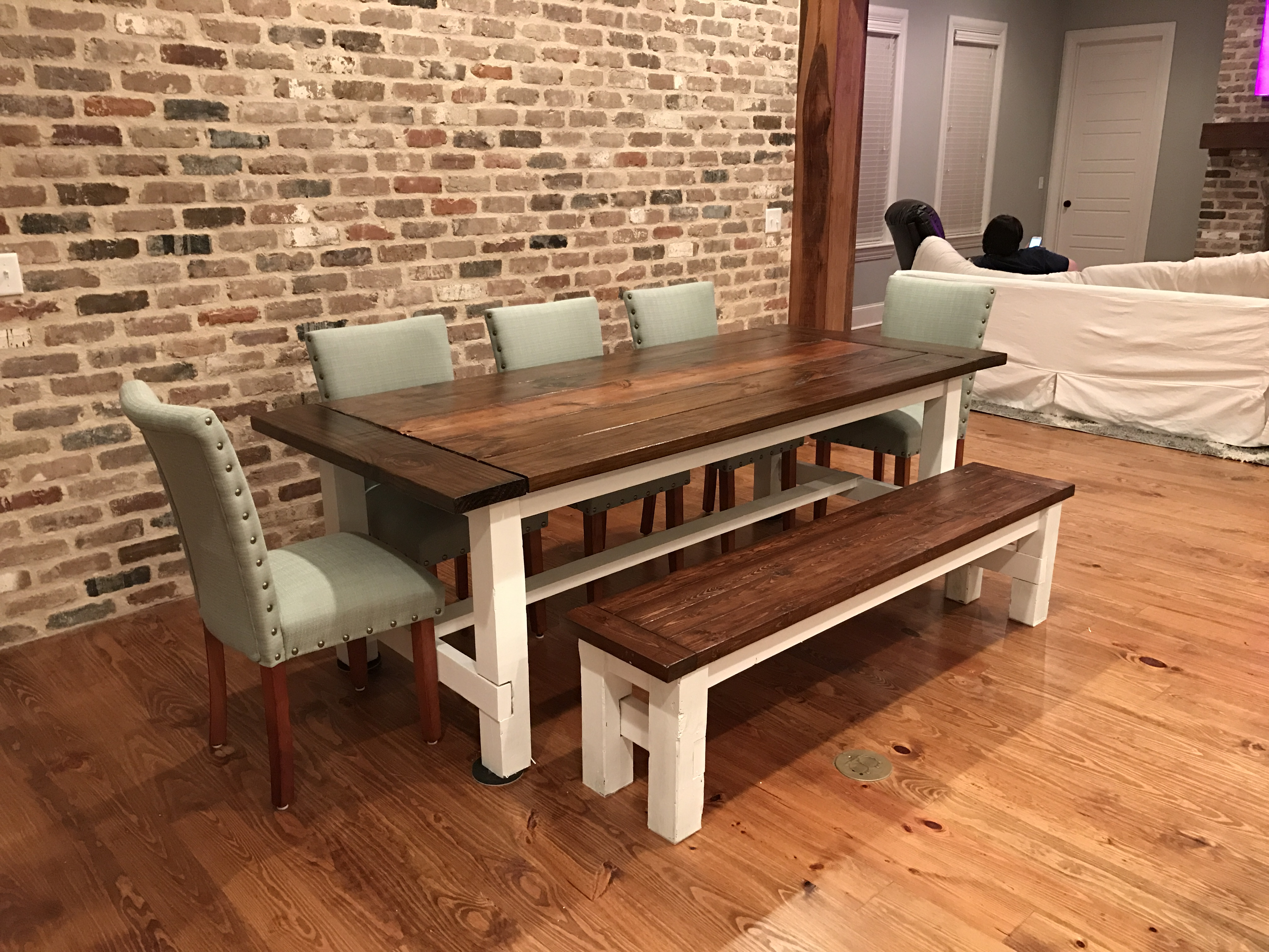 Ana White Farmhouse Table And Matching Bench Diy Projects