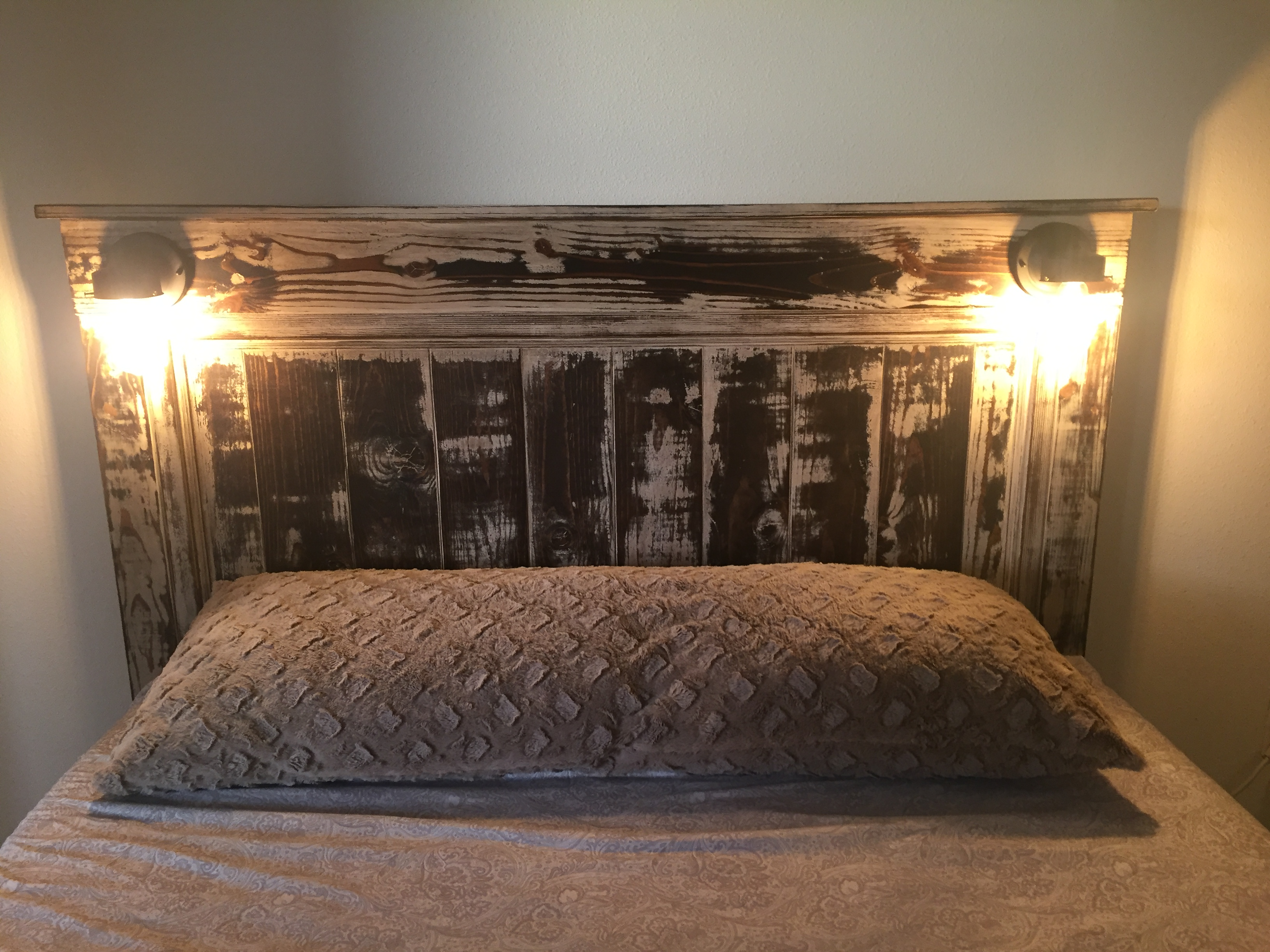 Ana White | Weathered Fancy Farmhouse Bed - DIY Projects