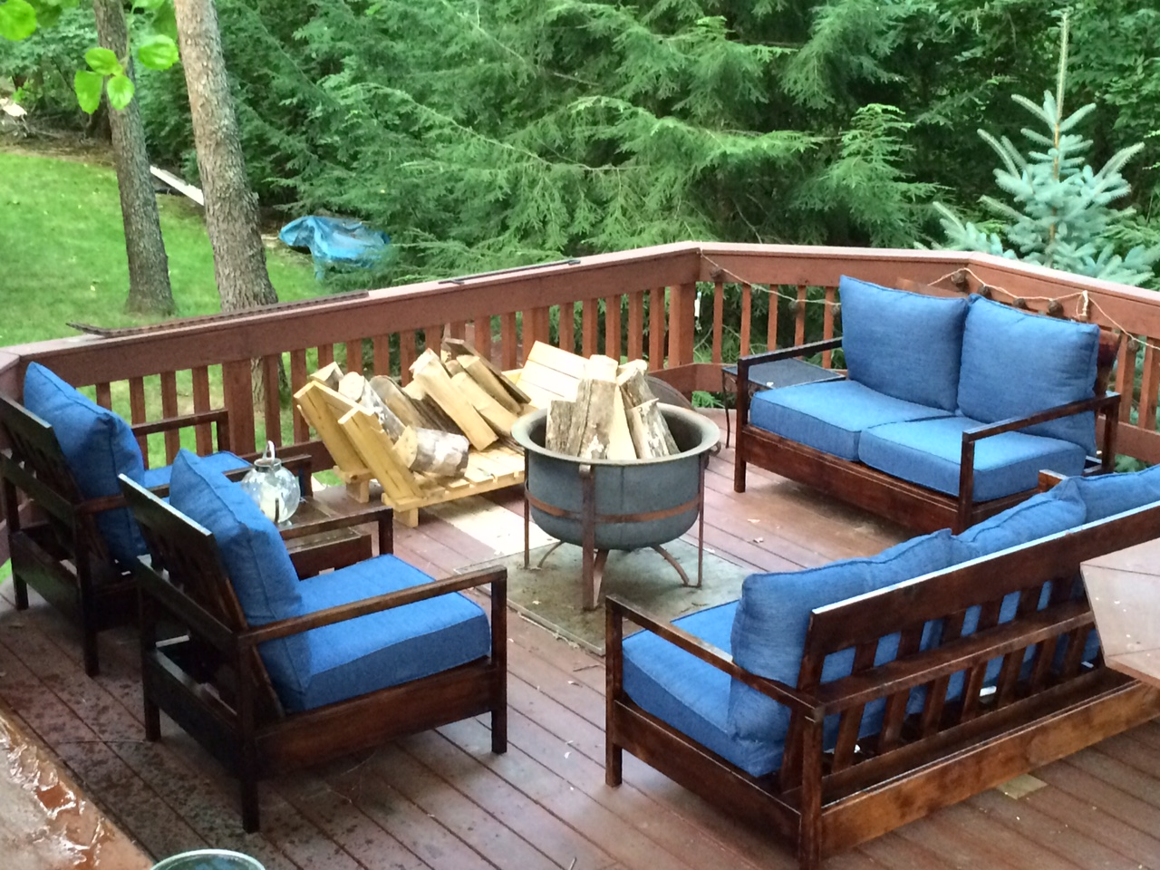 Ana white furniture for the deck diy projects for Small patio furniture ideas