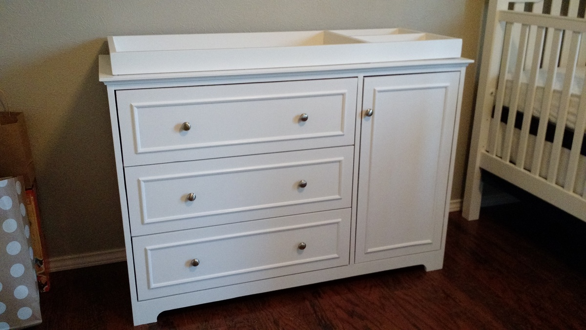 ana white changing table dresser diy projects. Black Bedroom Furniture Sets. Home Design Ideas