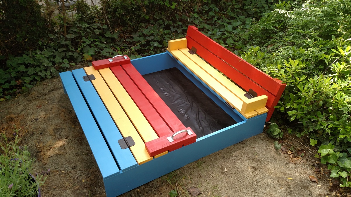 Ana White Colorful Sandbox With Benches Diy Projects