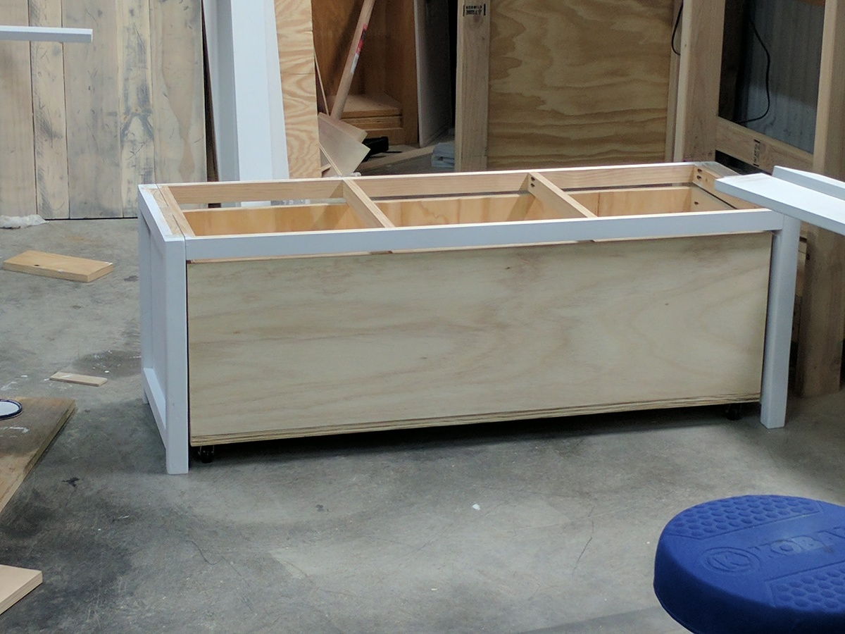 Bench By Bed: End Of The Bed Storage Bench - DIY Projects