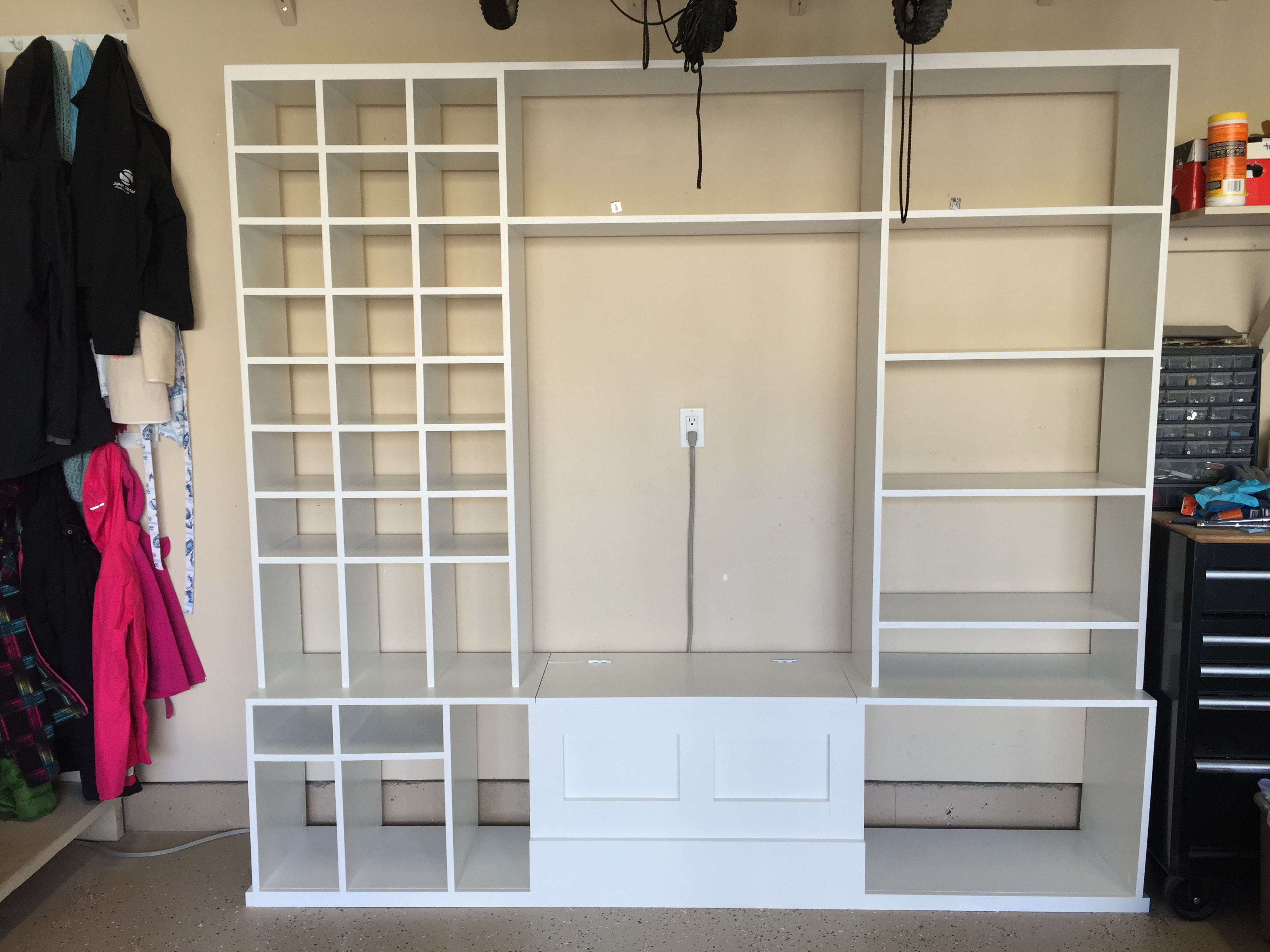 Ana white garage shoe storage and bench diy projects garage shoe storage and bench solutioingenieria Image collections