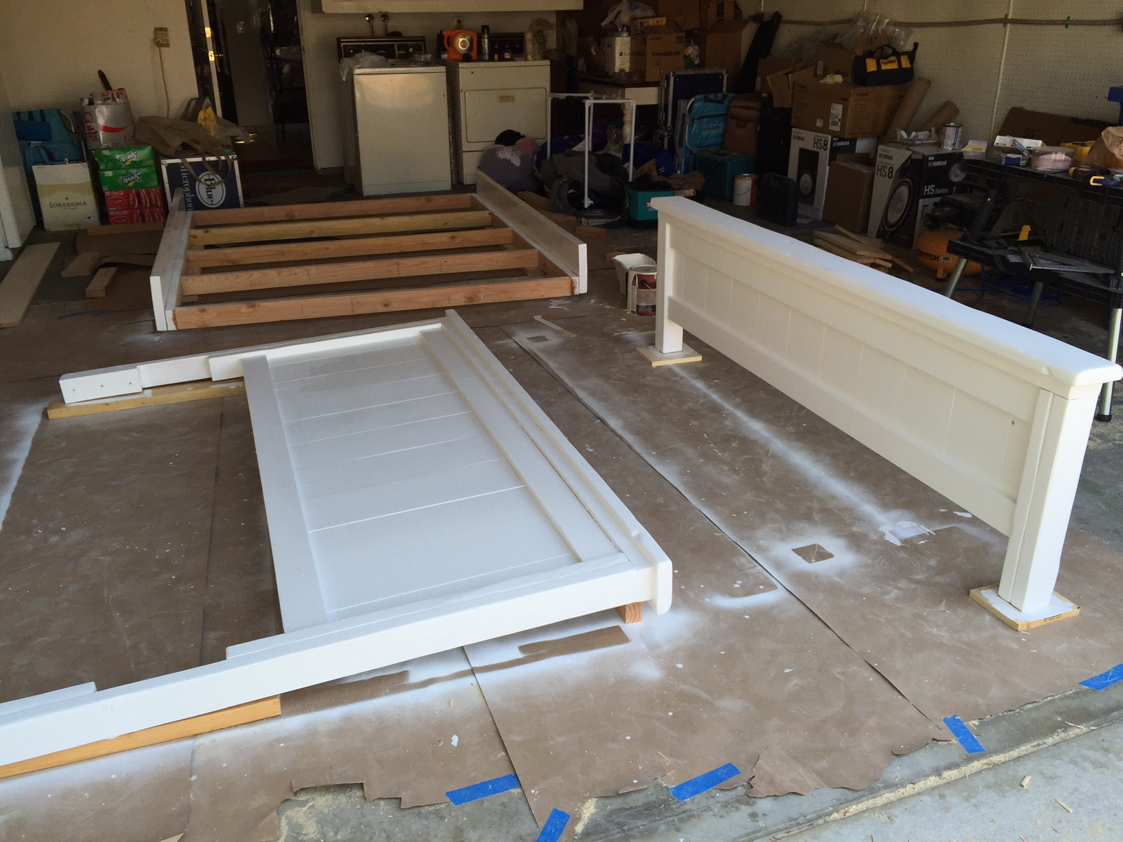 Ana White   California King Farmhouse Bed   DIY Projects