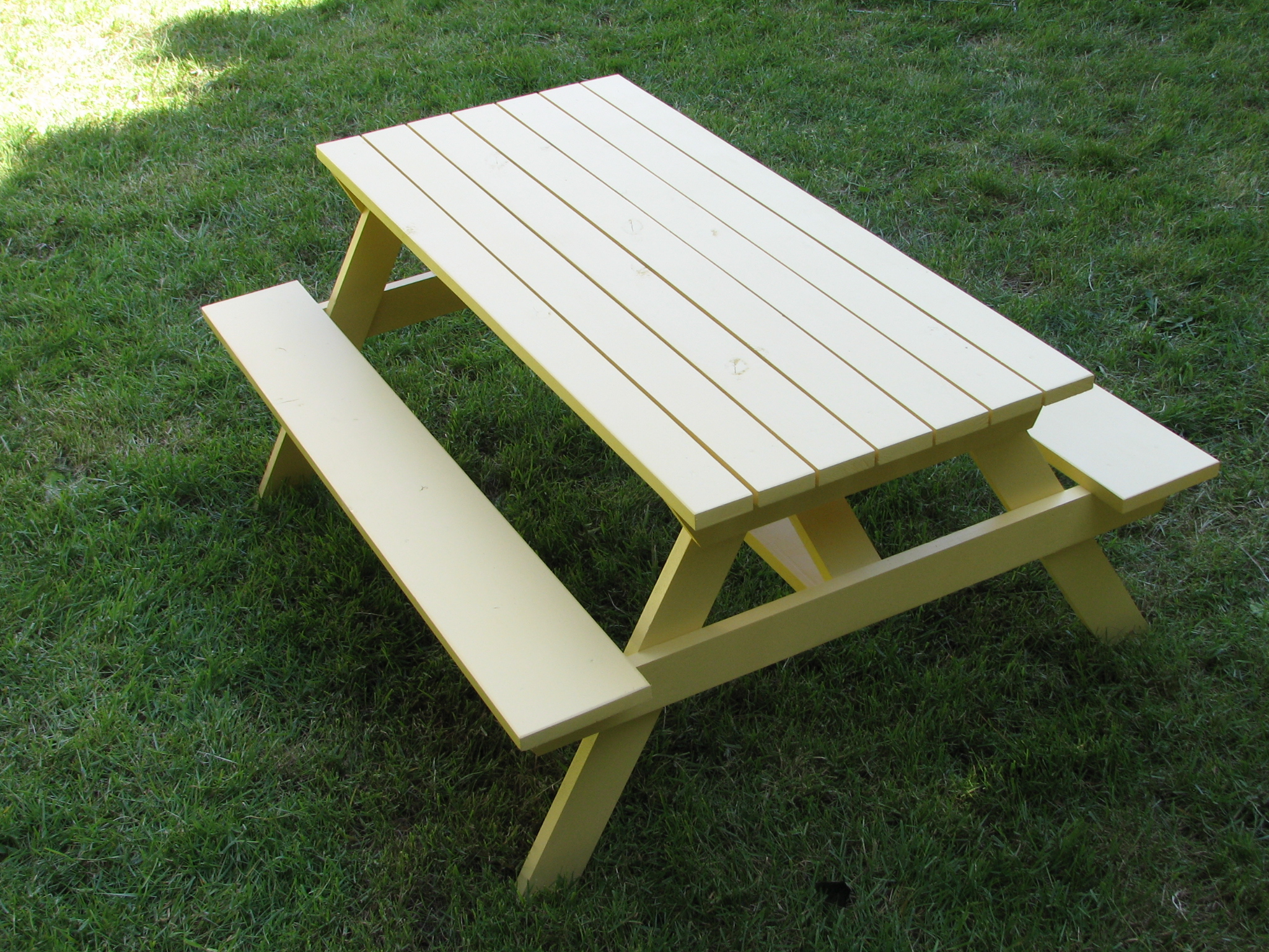Ana white preschool picnic table with alterations diy - Fabriquer une table de picnic en bois ...