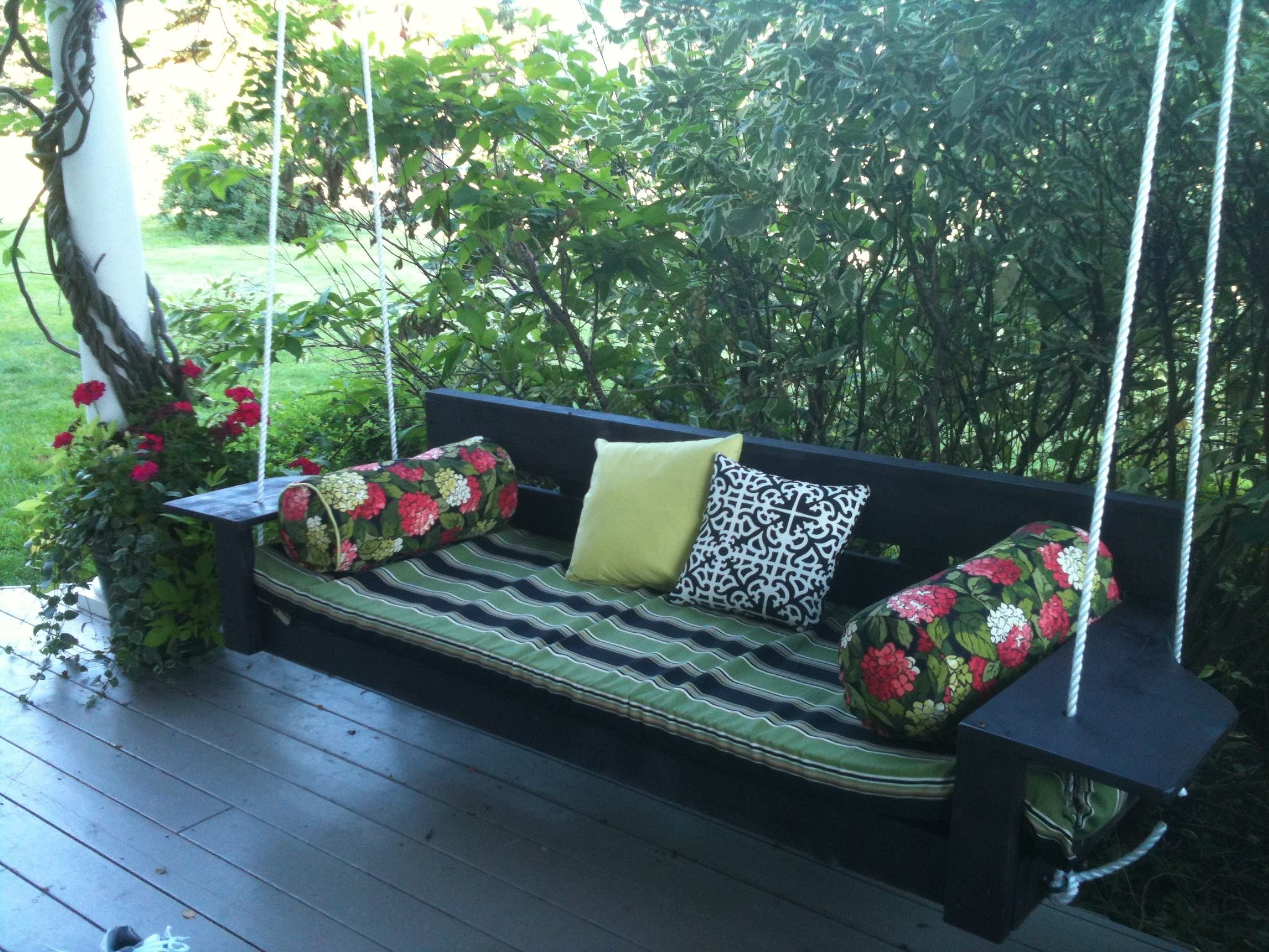 Ana white modern oversized porch swing diy projects for Diy patio bed