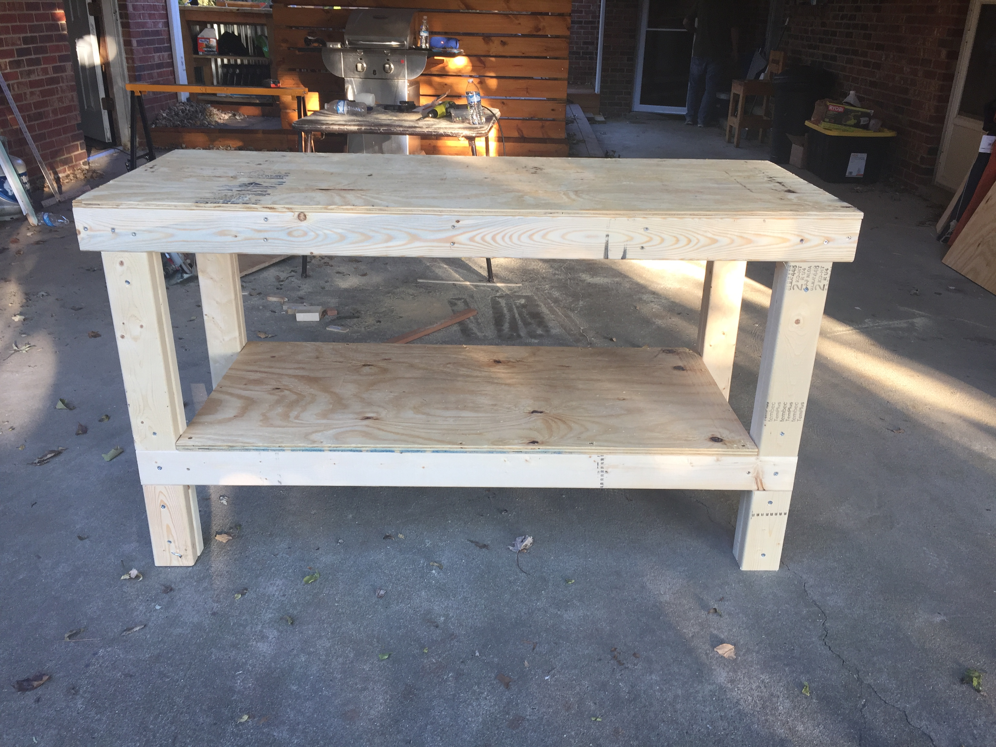 simple workbench, perfect workshop addition!   ana white