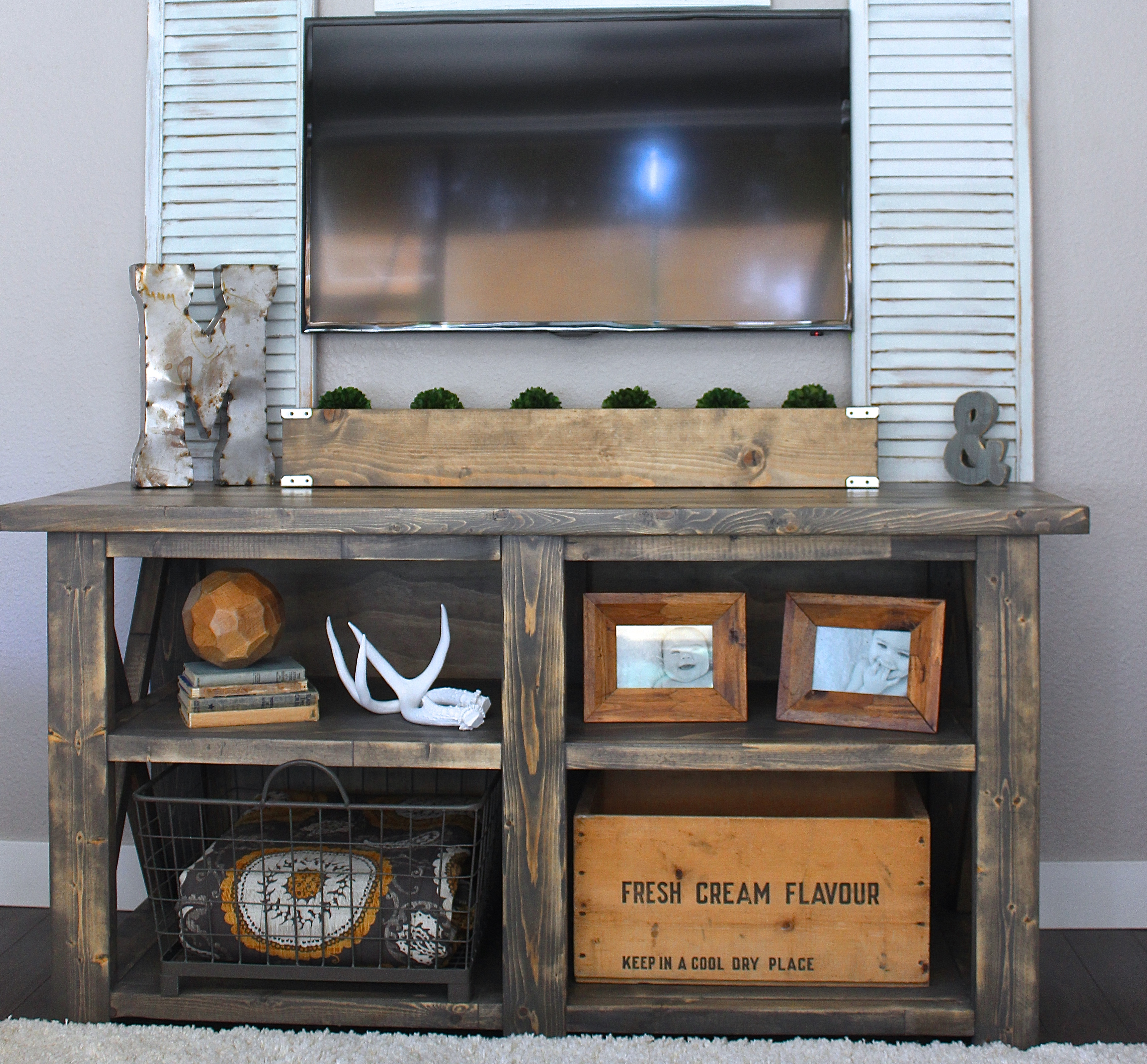 Ana White Media Stand Diy Projects