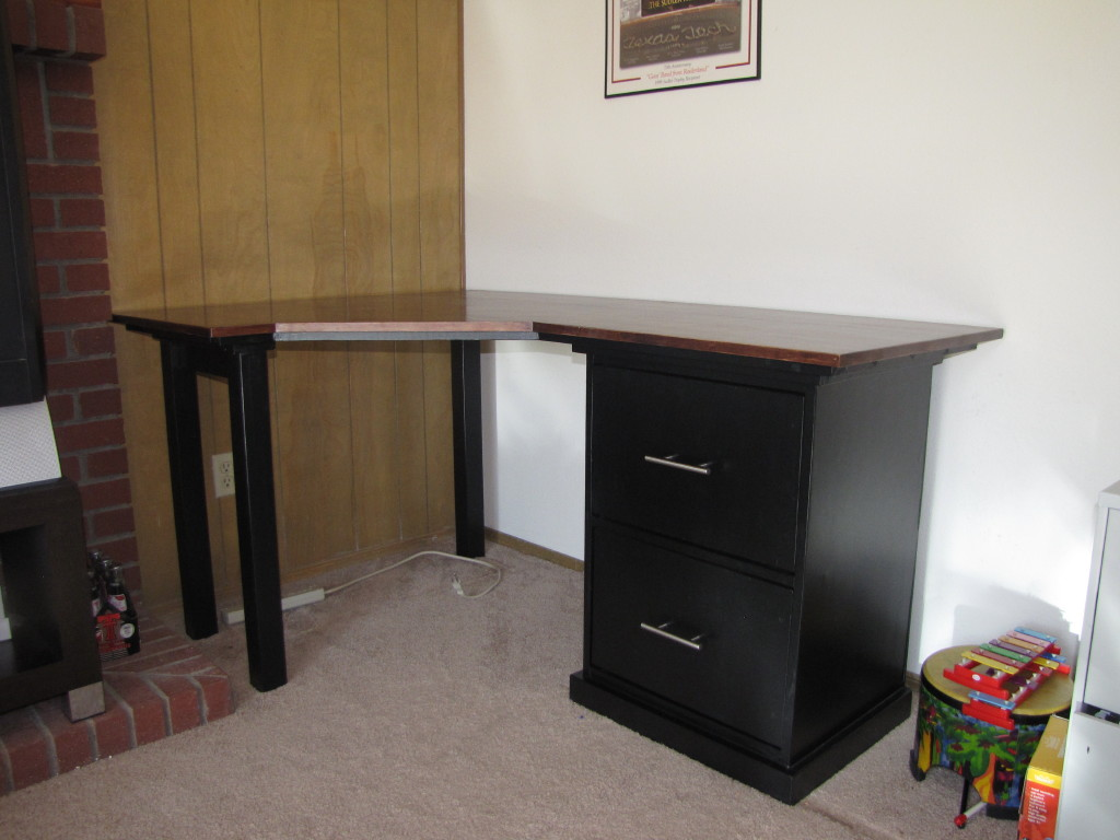 ana white customized corner desk diy projects. Black Bedroom Furniture Sets. Home Design Ideas