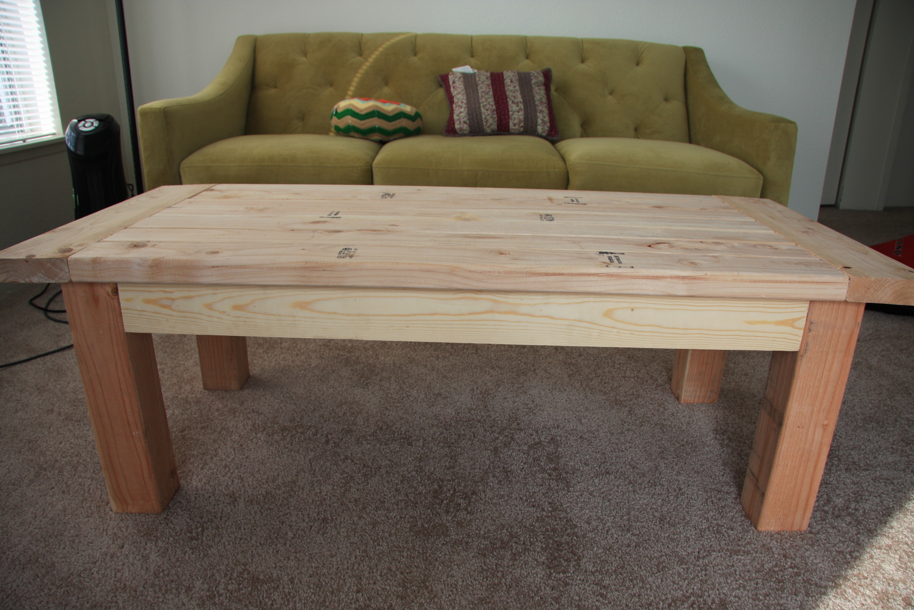 Charmant Tryde Coffee Table