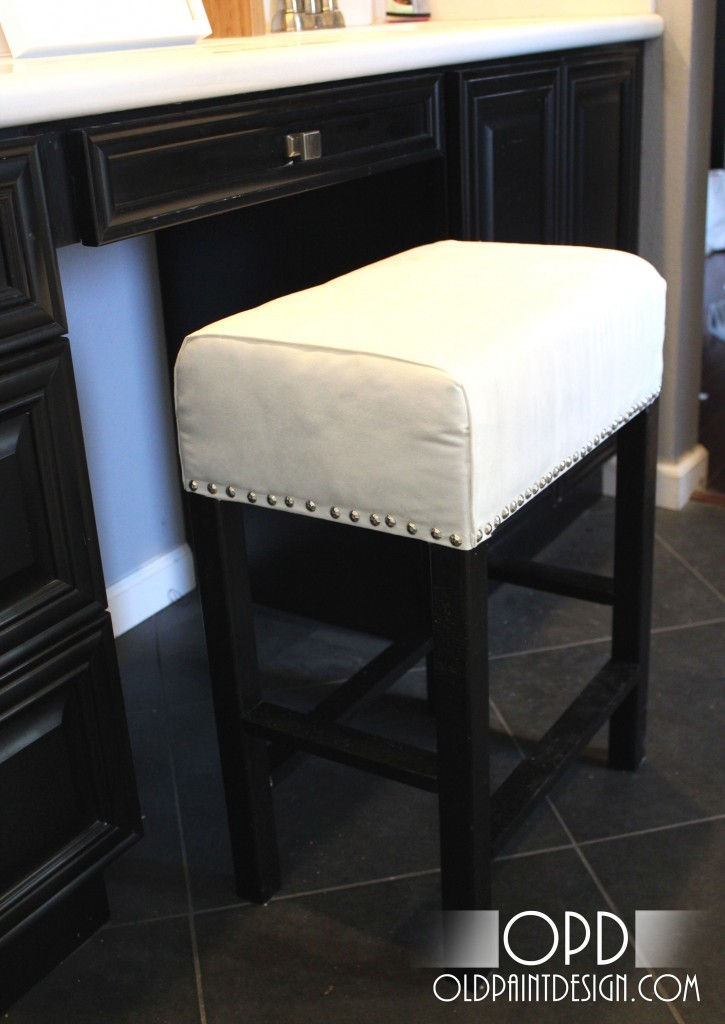 Top Ana White | Cheshire Vanity Stool - DIY Projects DE07