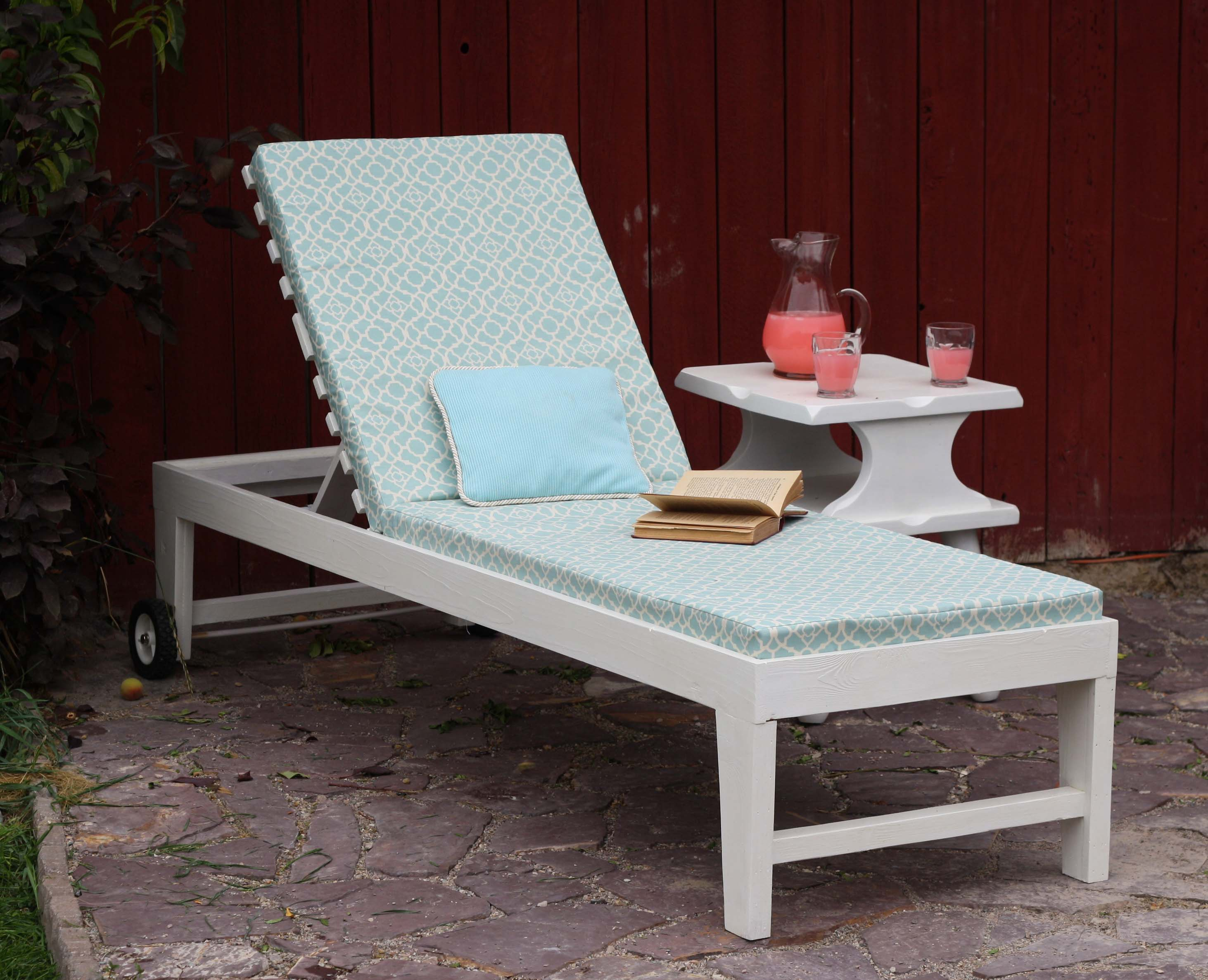 Ana white turquoise chaise lounger diy projects for Build chaise lounge