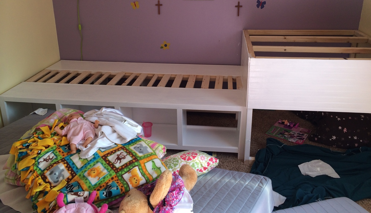 Storage Twin Beds With Corner Unit And Secret Hideout