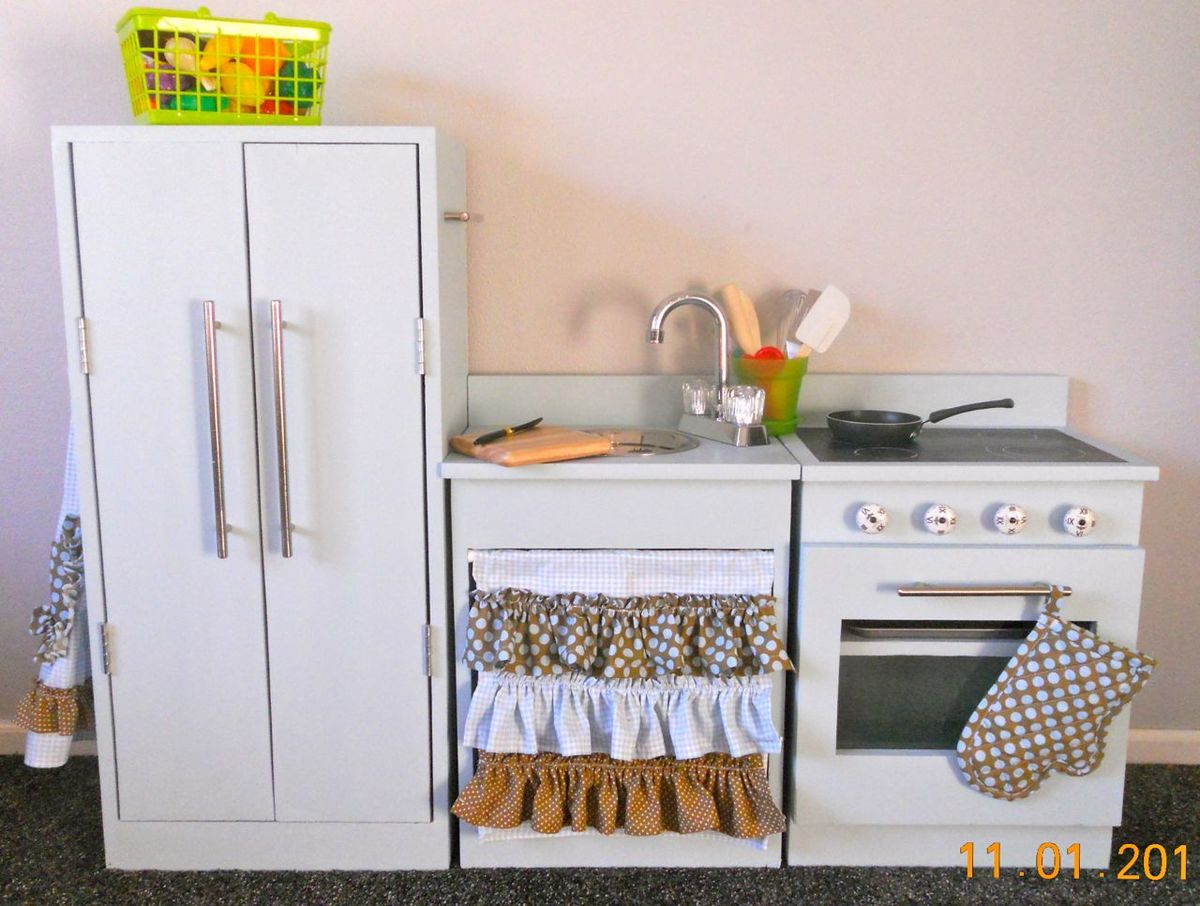 What Is A Kitchen: Play Kitchen - DIY Projects