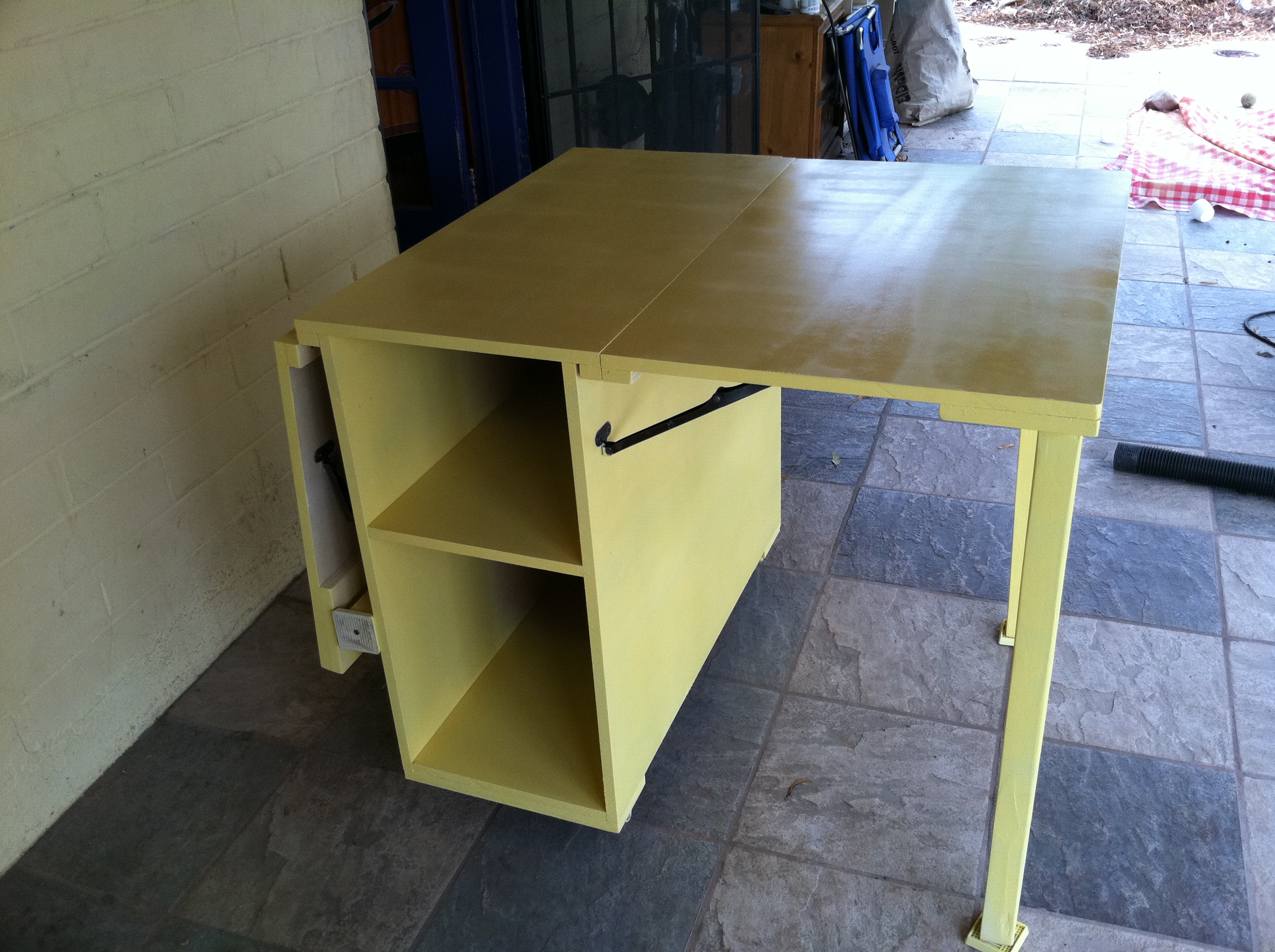 Ana White | Yellow Sewing Table for Small Spaces - DIY Projects