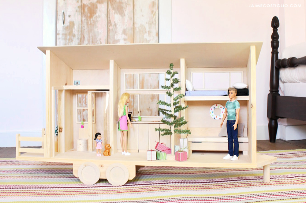 Ana White Tiny House Dollhouse For Barbies Or 12 Dolls Diy Projects