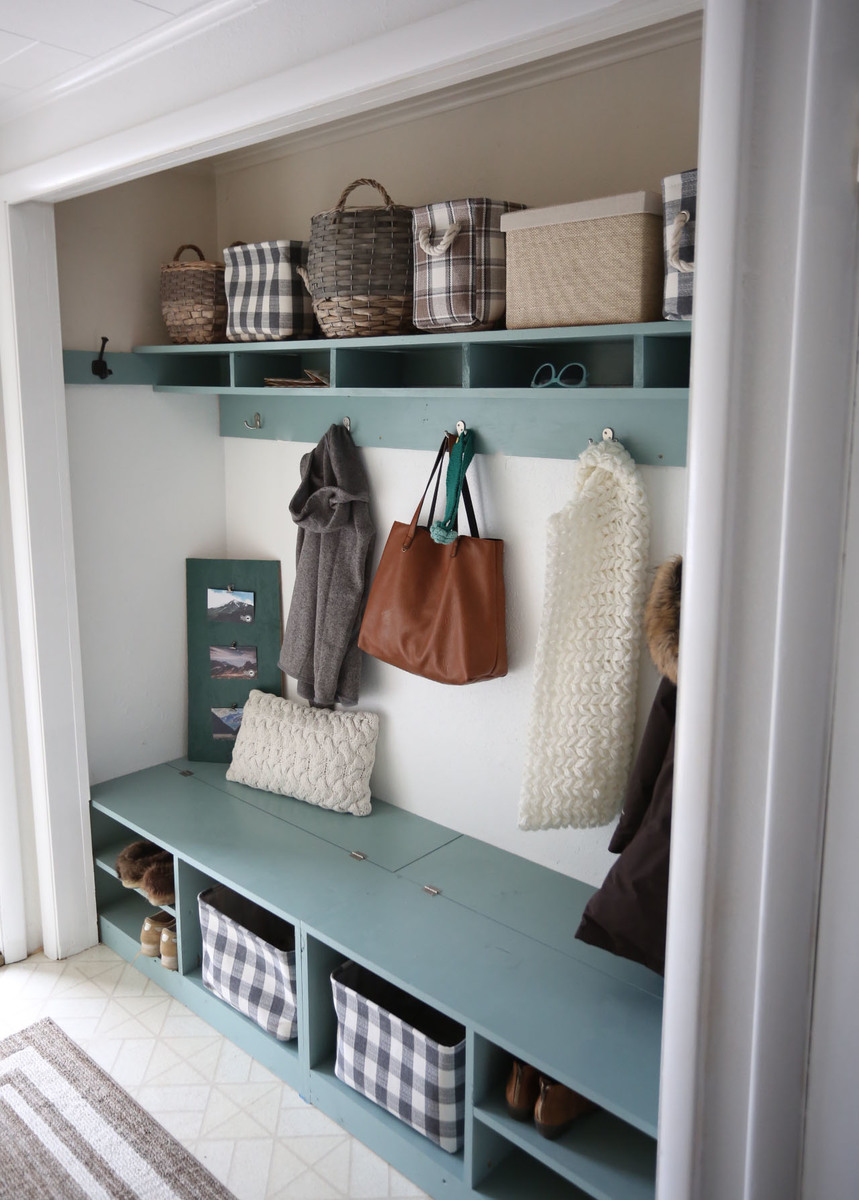 Ana white behrbox mudroom in a closet diy projects Mud room benches