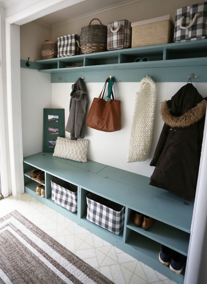 Ana White Behrbox Mudroom In A Closet Diy Projects