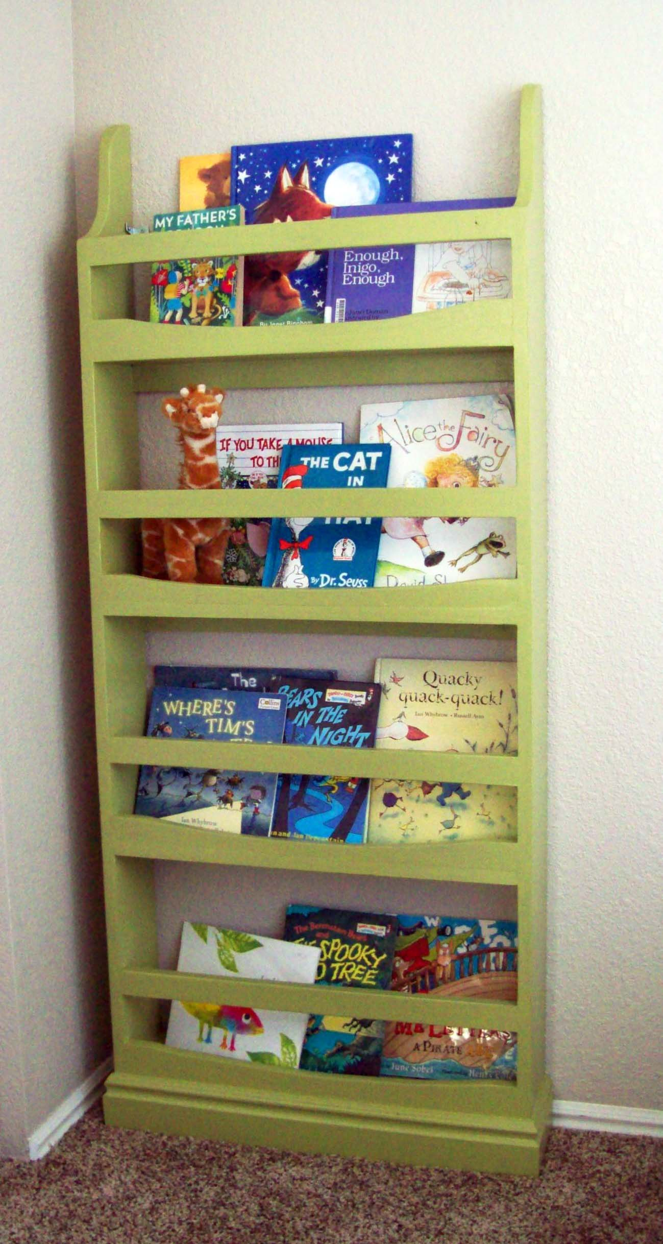 Ana white front facing bookcase diy projects for Diy kids bookshelf ideas
