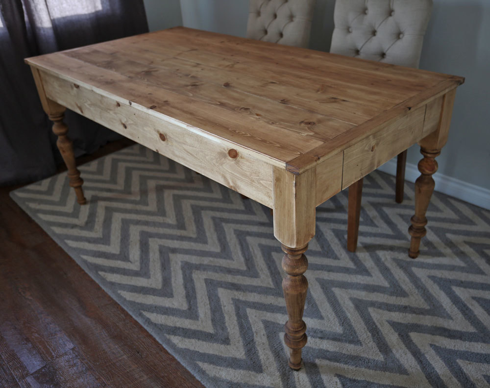 Ana White | Small Old English Style Farmhouse Dining Table   DIY Projects