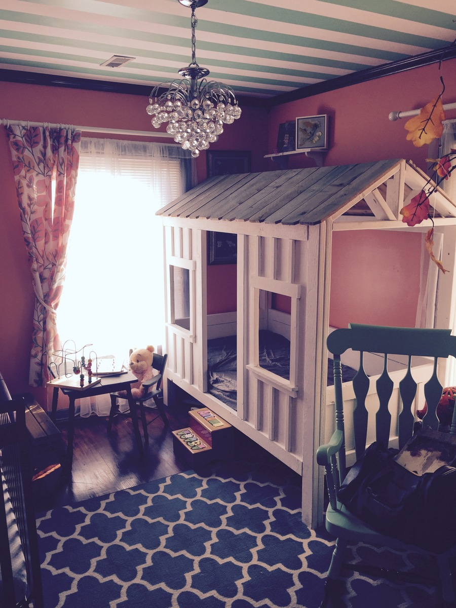 Do It Yourself Home Design: Autumn's Cabin Bed - DIY Projects