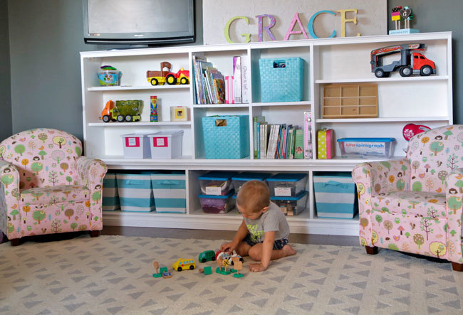 Toy Storage Hutch With Cubbies And Shelves