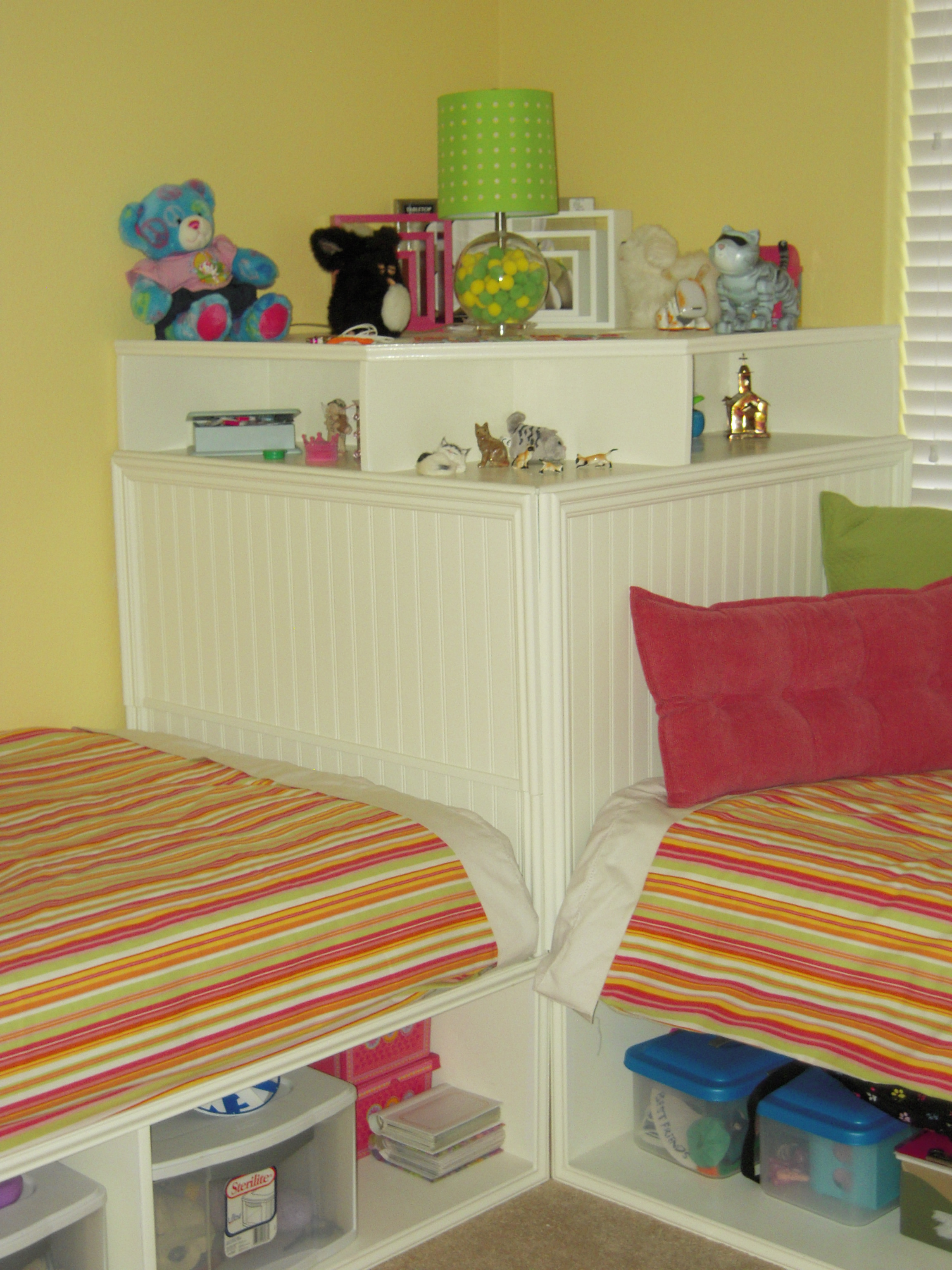 Twin storage beds and modified corner unit