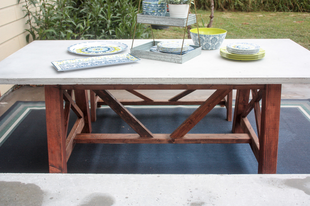 Exceptionnel X Base Concrete Table And Bench Set