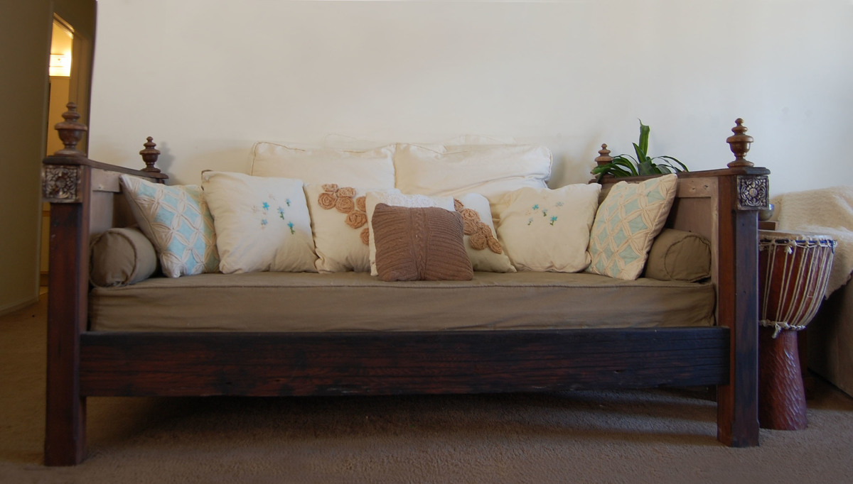 Ana White Salvaged Wood Daybed Diy Projects