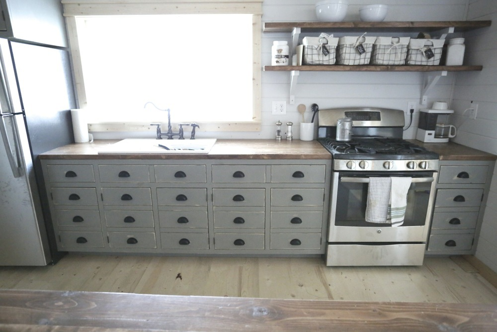 The Benefits Of Open Shelving In The Kitchen: Open Shelves For Our Cabin Kitchen - DIY Projects