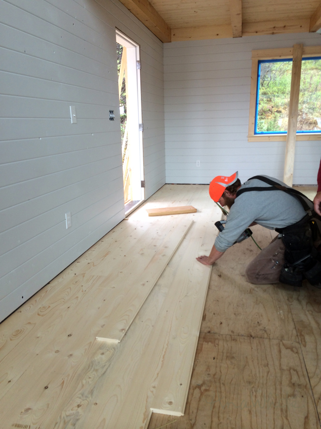 Floor spruce up ana white woodworking projects after the first row all of the 1x6 tongue and grove boards are nailed on the tongue side at a 45 degree angle solutioingenieria Gallery