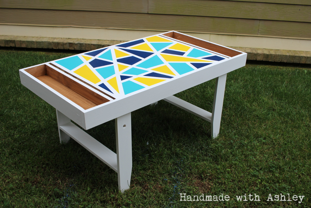 http://www.ana-white.com/sites/default/files/diy_kids_art_table_fab_flippin_furniture_contest_general_finishes%20%289%29.JPG
