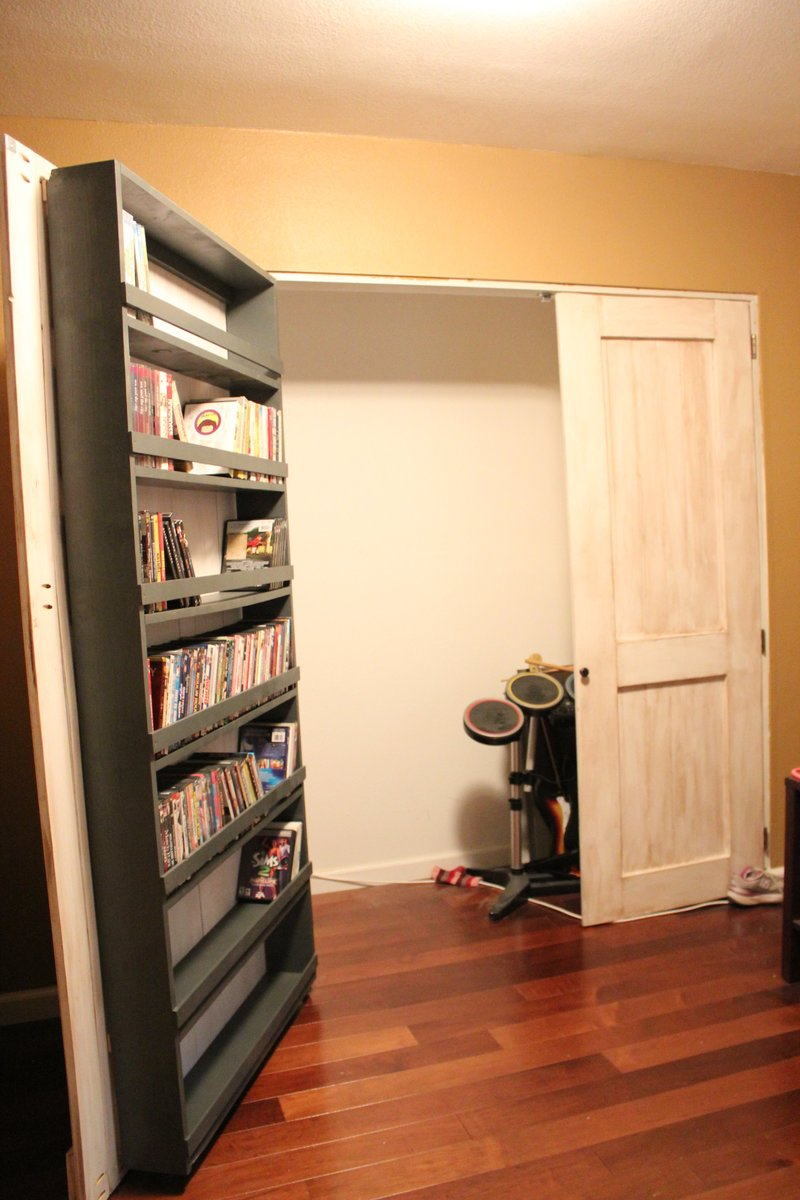 Charmant Closet Door And DVD Storage