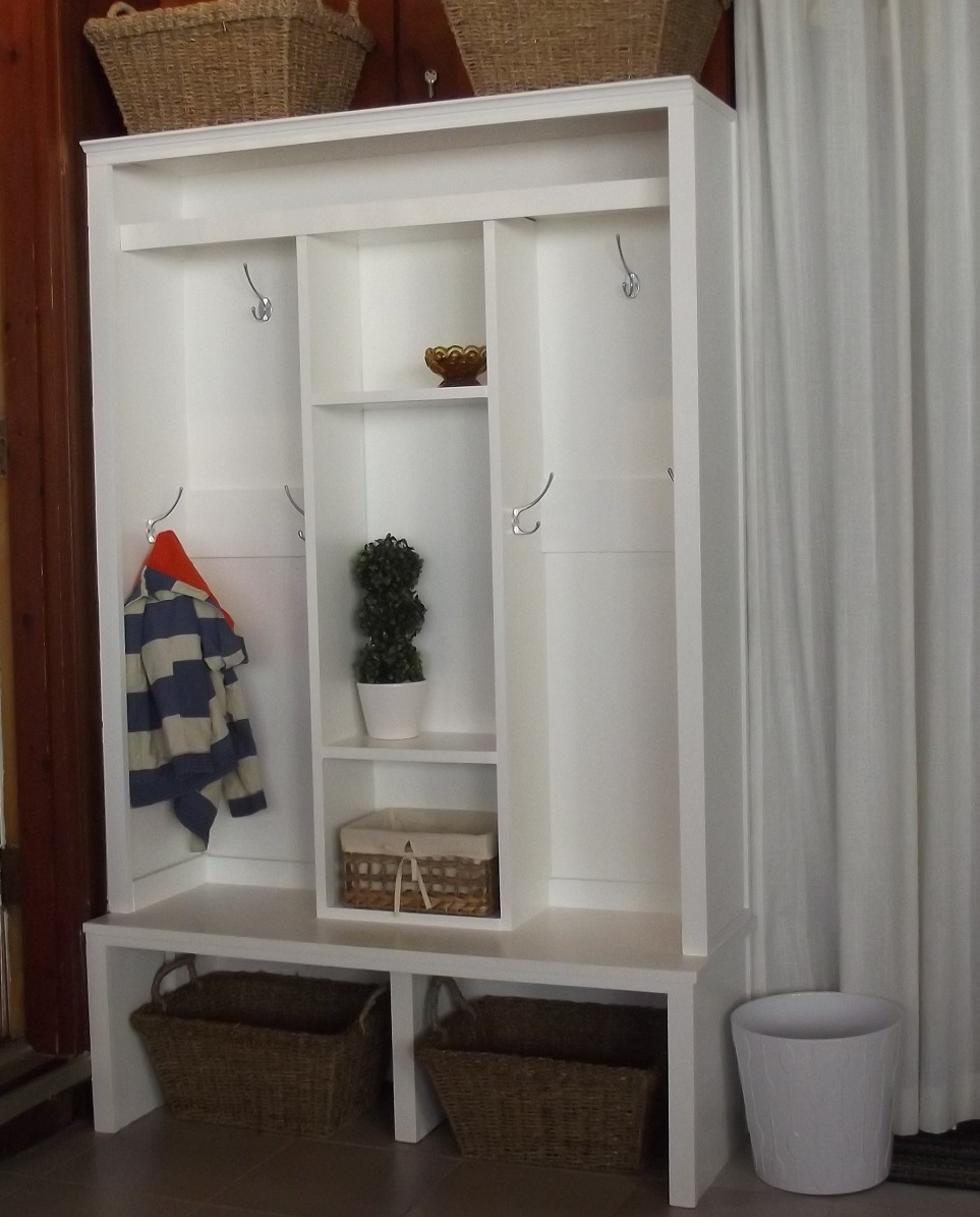 Foyer Cabinet Plans : Ana white entryway mudroom cabinet diy projects