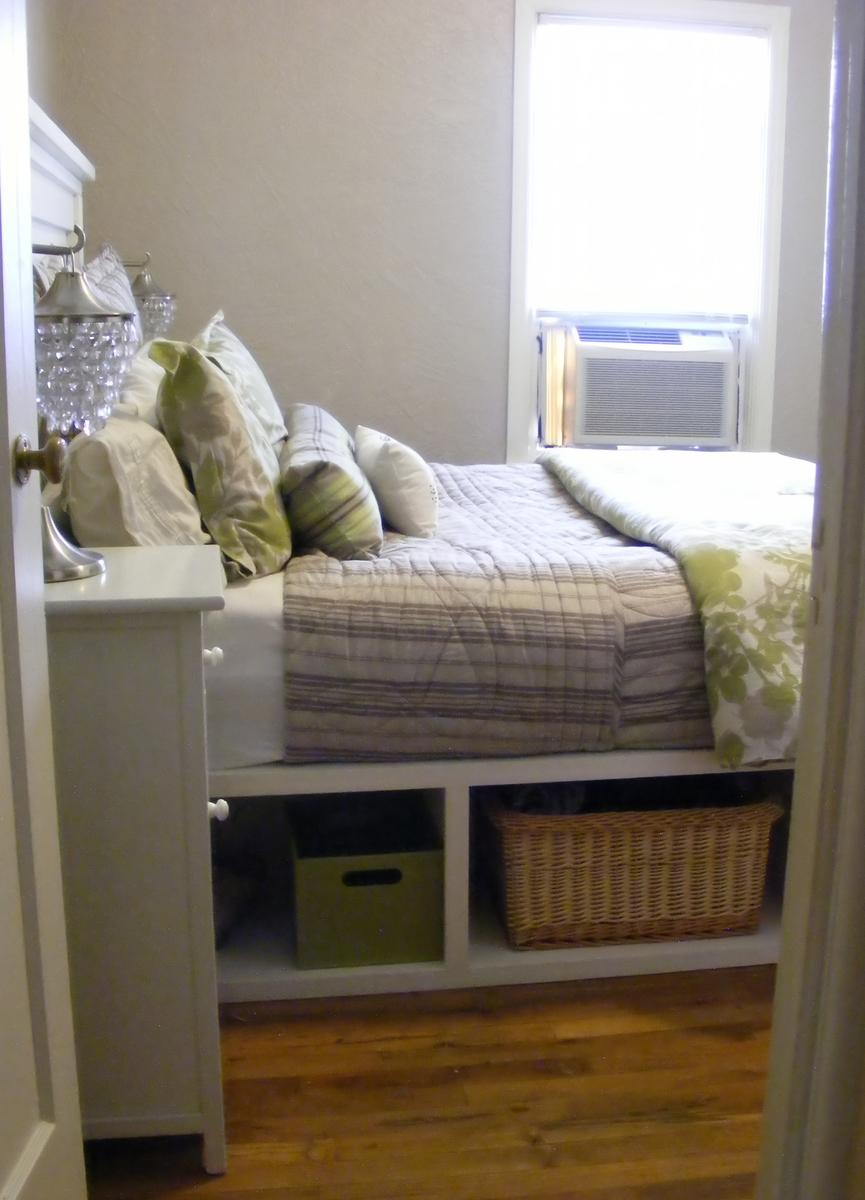 Ana White | Farmhouse Storage Bed with Hinged Footboard - DIY Projects