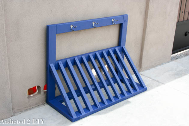 Simple Bicycle Rack Featuring Addicted 2 Diy